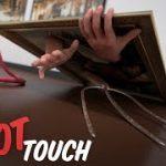 Do Not Touch 絵画の中を走り回る!映画のようなVR動画