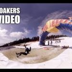 レッドブルのイベントでスキー場にプール 飛んだり滑ったり落ちちゃったりするVR動画