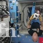 宇宙ステーションISSで無重力サッカーで遊んじゃうVR動画