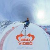 凄いスピードで滑り降りるスキー競技 アルペンスキーをVR動画で体験